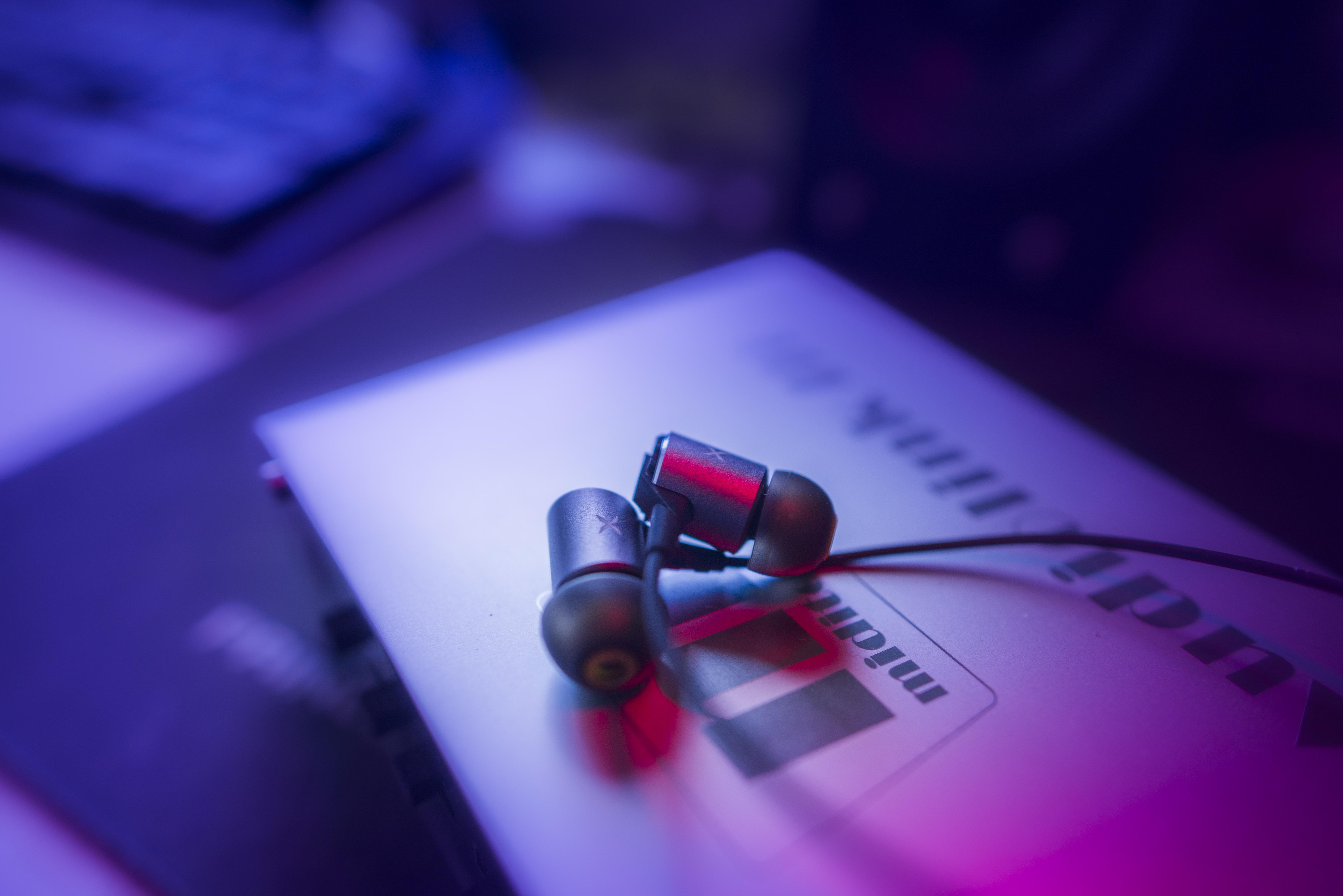 入耳式耳機